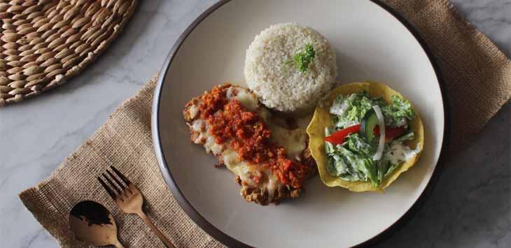 Menu Baru Djoeragan Resto Yakni Spicy Chicken Mozzarella with Salad
