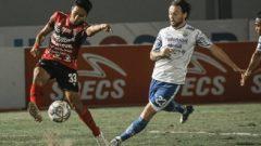 Pertandingan Bali United vs Persib Bandung di Stadion Indomilk Arena, Tangerang, Sabtu (18/9/2021) malam. Ft/Twitter @BaliUtd