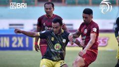 Pertandingan bertajuk Derby Kalimantan, Borneo FC vs Barito Putera di Stadion Wibawa Mukti, Jumat (17/9/2021) berakhir imbang 1-1. Ft/Twitter @Liga1Match