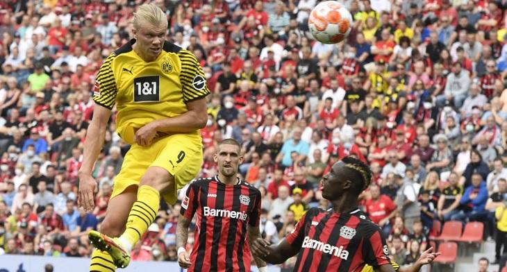Erling Haaland mencetak dua gol dalam kemenangan 4-3 Borussia Dortmund atas Bayer Leverkusen di BayArena, Sabtu (11/9/2021) malam WIB.