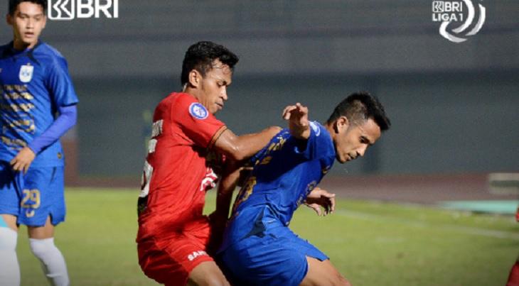 Pertandingan Persija Jakarta vs PSIS Semarang di Stadion Indomilk Arena, Tangerang, Minggu (12/9/2021) malam, berakhir imbang 2-2. Foto via Twitter @Liga1Match