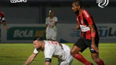 Pertandingan Persipura vs Persija Jakarta di Indomilk Arena Tangerang, Minggu (19/9/2021) malam, berakhir imbang 0-0. Ft/Twitter @Liga1Match