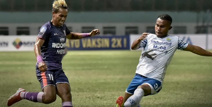 Pertandingan Persita Tangerang vs Persib Bandung di Stadion Wibawa Mukti Bekasi, Sabtu (11/9/2021). Foto via Twitter @Liga1Match