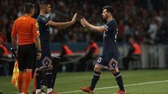 Lionel Messi diganti Achraf Hakimi di pertengahan babak kedua PSG vs Lyon, Senin 20 September 2021 lalu.